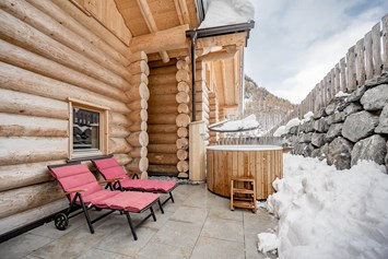 Chalet: Hot Tub in den Chalets - Chalet Resort Sölden